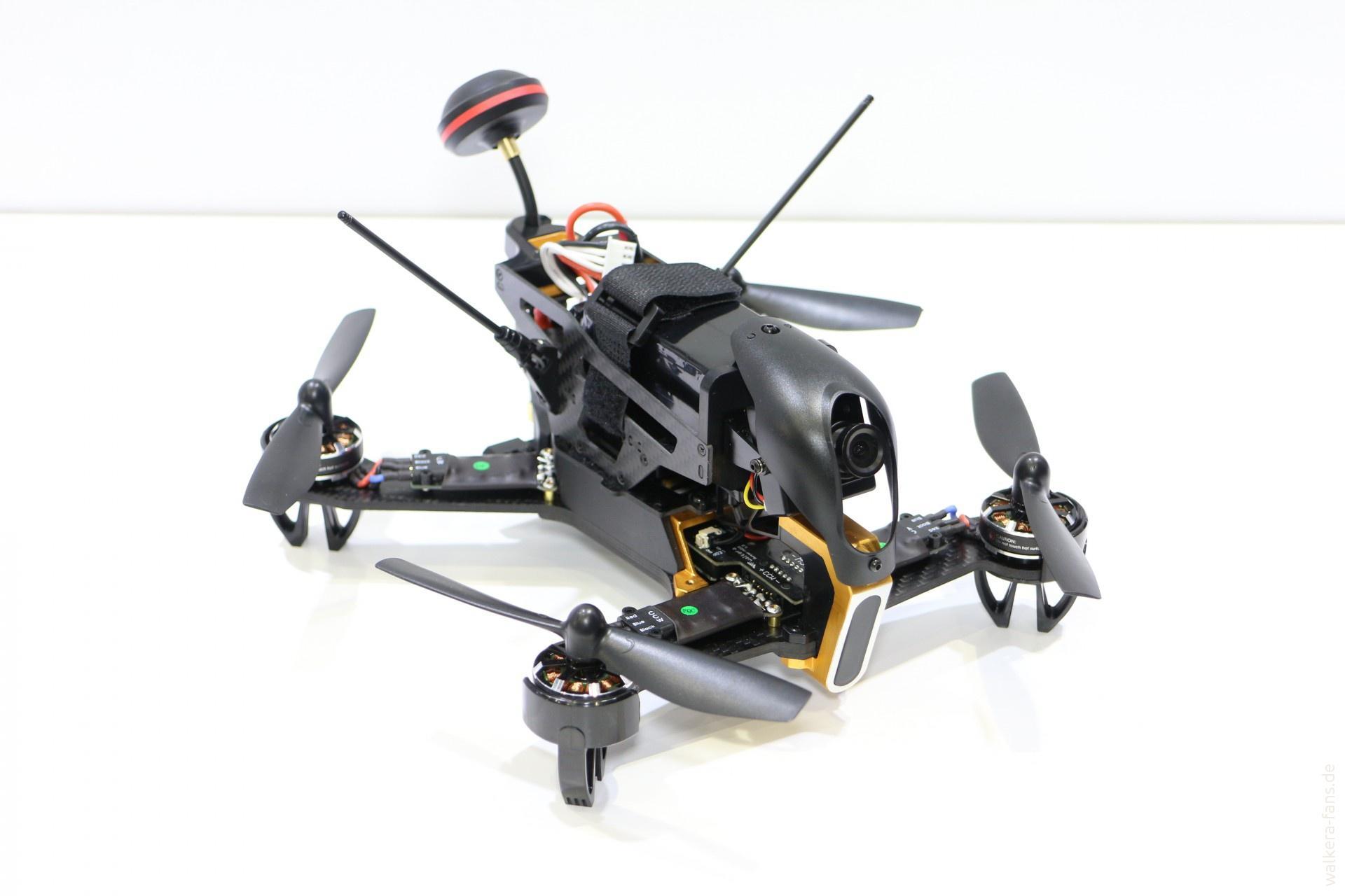 Квадрокоптер с камерой гоночный запасные пропеллеры combo по дешевке