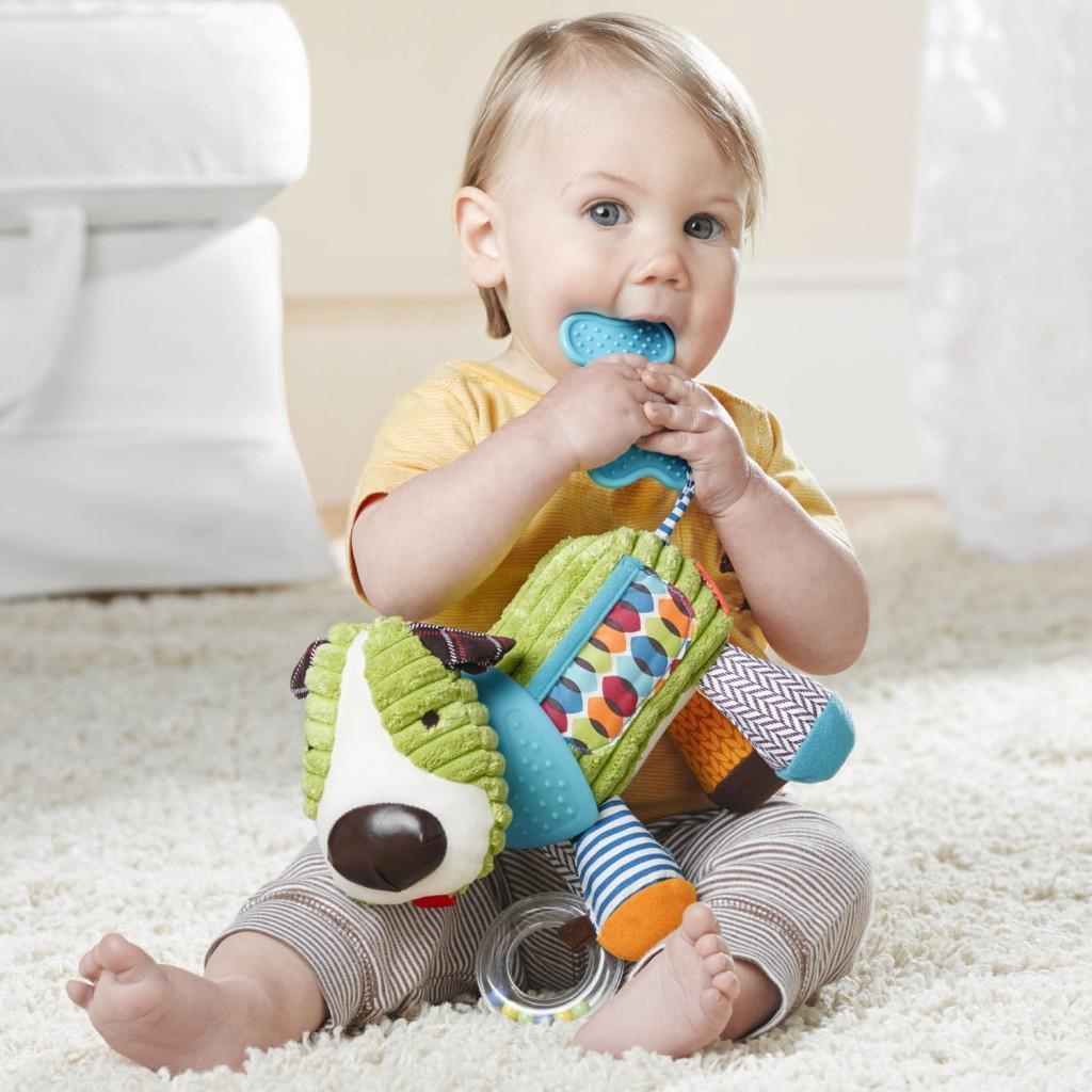 картинки с детьми с игрушками