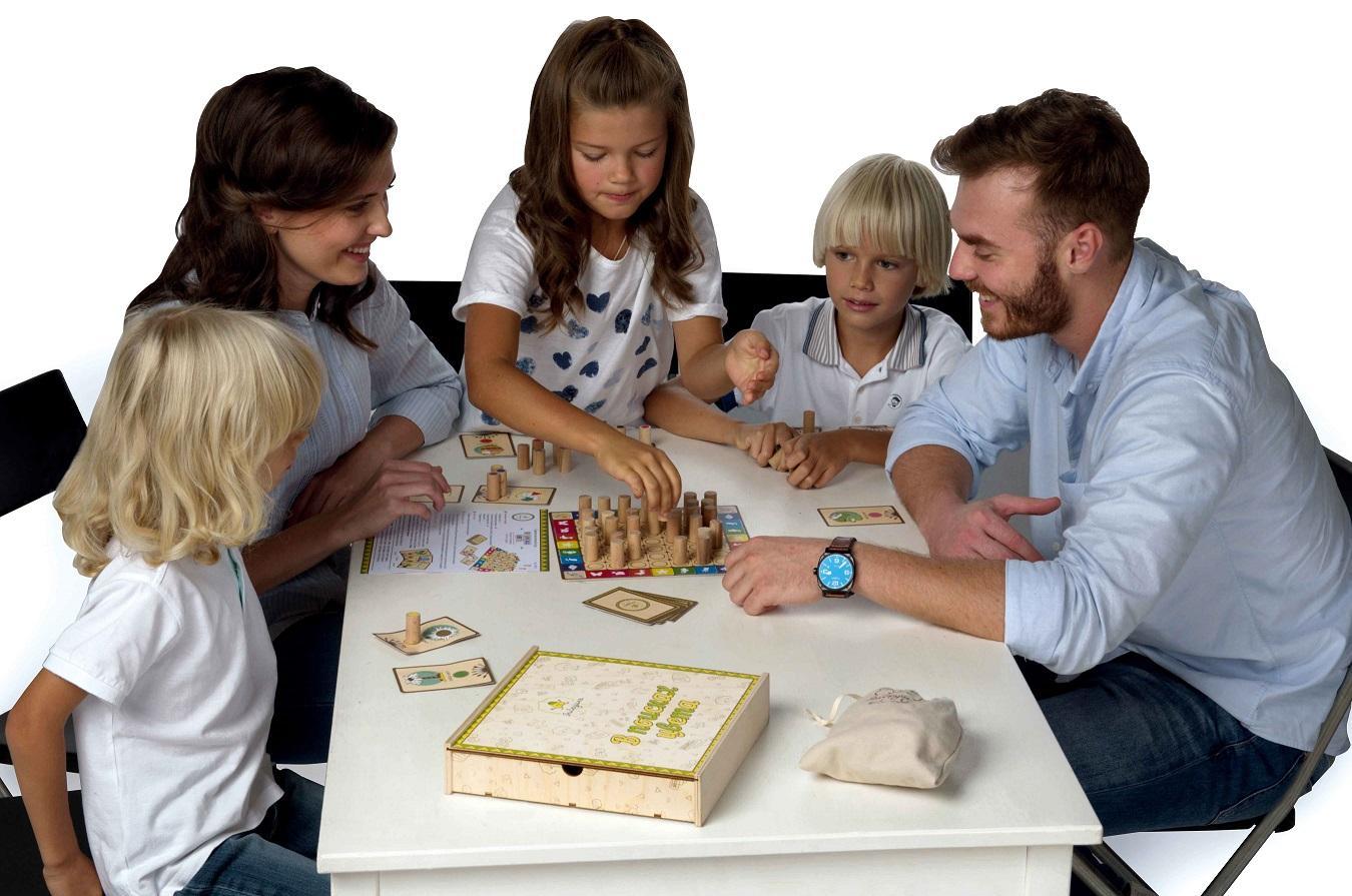 Картинки играющих детей с родителями, днем